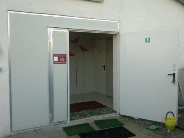 Porta di servizio zincata