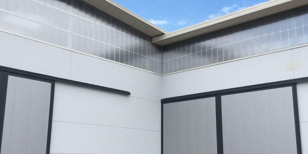 finestratura verticale policarbonato